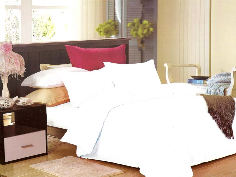White Bed Sheet Set